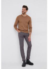 BOSS - Boss - Sweter wełniany. Kolor: brązowy. Materiał: wełna. Długość rękawa: długi rękaw. Długość: długie