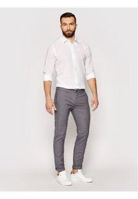 Roy Robson Spodnie materiałowe 941-51 Szary Slim Fit. Kolor: szary. Materiał: materiał