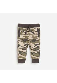 Brązowe spodnie Reserved moro