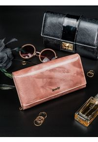 Różowy portfel ROVICKY