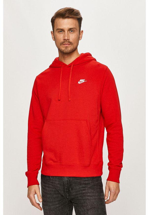 Czerwona bluza nierozpinana Nike Sportswear z kapturem, na co dzień