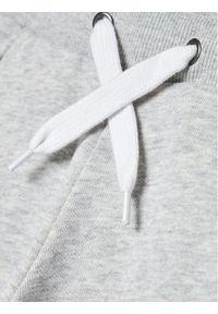 Timberland Spodnie dresowe T24B51 D Szary Regular Fit. Kolor: szary. Materiał: dresówka