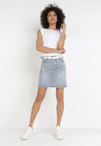 Born2be - Jasnoniebieska Spódnica Acosaphaura. Kolor: niebieski. Materiał: jeans. Długość: krótkie. Wzór: aplikacja