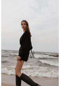 Marsala - Kombinezon lniany w kolorze czarnym - MARISOL BY MARSALA. Kolor: czarny. Materiał: len. Długość rękawa: długi rękaw. Długość: długie. Styl: klasyczny, elegancki