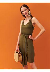 Zielona sukienka TOP SECRET kopertowa