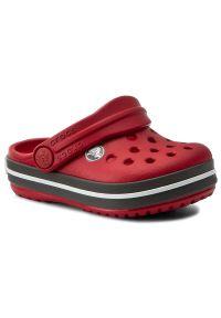 Czerwone klapki Crocs w kolorowe wzory, klasyczne