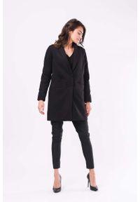 Czarny płaszcz Nommo