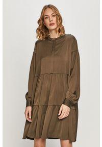 Samsoe & Samsoe - Samsoe Samsoe - Sukienka Margo. Kolor: zielony. Materiał: materiał. Długość rękawa: długi rękaw #1