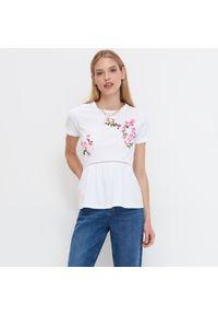Mohito - Bluzka z kwiatowym nadrukiem Eco Aware - Biały. Kolor: biały. Wzór: kwiaty, nadruk