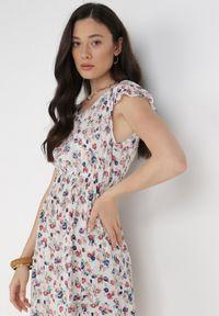 Born2be - Biała Sukienka Kombroeus. Kolor: biały