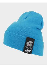 Niebieska czapka zimowa 4f z aplikacjami