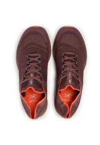 Fioletowe buty do biegania Arc'teryx z cholewką, na co dzień