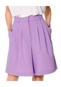 AGGI - Liliowe szorty z jedwabiem Billie. Okazja: na co dzień. Stan: podwyższony. Kolor: fioletowy, różowy, wielokolorowy. Materiał: jedwab. Wzór: gładki. Styl: elegancki, casual