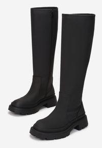 Born2be - Czarne Kozaki Eidime. Nosek buta: okrągły. Zapięcie: zamek. Kolor: czarny. Materiał: skóra. Szerokość cholewki: normalna. Wzór: jednolity. Styl: klasyczny