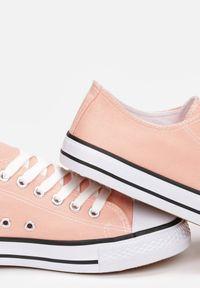 Born2be - Pomarańczowe Trampki Rharanin. Okazja: na co dzień. Nosek buta: okrągły. Zapięcie: pasek. Kolor: pomarańczowy. Szerokość cholewki: normalna. Wzór: aplikacja. Wysokość cholewki: przed kostkę. Materiał: materiał, guma. Styl: sportowy, casual