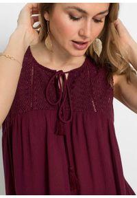 Bluzka bez rękawów z wiązanym paskiem bonprix bordowy. Kolor: czerwony. Materiał: koronka. Długość rękawa: bez rękawów. Wzór: koronka