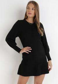 Born2be - Czarna Sukienka Dzianinowa Helamna. Kolor: czarny. Materiał: dzianina. Długość: mini