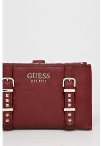 Guess Jeans - Portfel. Kolor: czerwony. Materiał: jeans