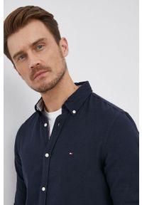 TOMMY HILFIGER - Tommy Hilfiger - Koszula z domieszką lnu. Typ kołnierza: button down. Kolor: niebieski. Materiał: len #1