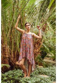 e-margeritka - Sukienka wiskozowa maxi z falbanami na ramiączkach - druk 20, l/xl. Materiał: wiskoza. Długość rękawa: na ramiączkach. Typ sukienki: asymetryczne. Styl: wakacyjny. Długość: maxi