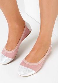 Born2be - Różowe Balerinki Jilvyra. Okazja: na co dzień. Nosek buta: okrągły. Zapięcie: bez zapięcia. Kolor: różowy. Materiał: lakier, skóra ekologiczna, materiał. Szerokość cholewki: normalna. Obcas: na obcasie. Styl: casual