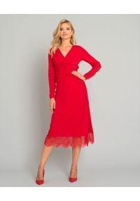 Czerwona sukienka w koronkowe wzory, elegancka, na imprezę, dopasowana