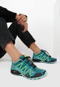 Zielone buty sportowe Born2be