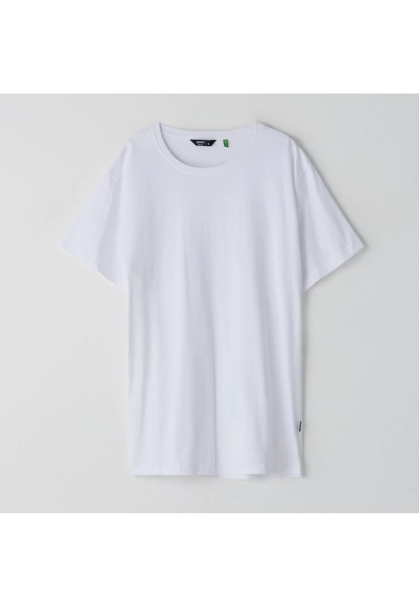Cropp - Koszulka basic - Biały. Kolor: biały