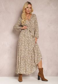 Renee - Beżowa Sukienka Thesena. Kolor: beżowy. Materiał: tkanina, materiał. Długość rękawa: długi rękaw. Wzór: kwiaty, aplikacja, nadruk. Typ sukienki: kopertowe, dopasowane. Długość: maxi #1