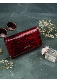 ROVICKY - Portfel damski Lorenti czerwony 76112-PT RED. Kolor: czerwony. Materiał: skóra