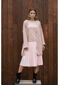 VEVA - Różowa plisowana spódnica Smooth Spirit. Okazja: do pracy, na co dzień. Kolor: różowy. Materiał: jedwab, skóra, materiał. Styl: casual