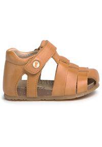 Brązowe sandały Naturino