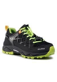 Salewa - Trekkingi SALEWA - Jr Wildfire Wp 64009-0986 Black Out/Cactus. Okazja: na spacer. Kolor: czarny. Materiał: zamsz, materiał, skóra. Szerokość cholewki: normalna