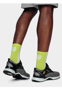 4f - Skarpetki sportowe uniseks z kolekcji LIME LINE. Kolor: wielokolorowy. Materiał: włókno, materiał, bawełna