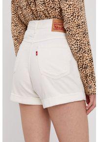 Levi's® - Levi's - Szorty jeansowe. Okazja: na co dzień, na spotkanie biznesowe. Stan: podwyższony. Kolor: beżowy. Materiał: jeans. Styl: casual, biznesowy