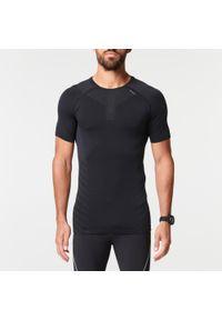 KIPRUN - Koszulka do biegania męska Kiprun Skincare. Kolor: czarny. Materiał: poliamid, elastan, poliester, materiał. Sport: fitness