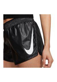 Spodenki damskie do biegania Nike CK0179. Materiał: tkanina, dzianina, materiał, poliester. Technologia: Dri-Fit (Nike). Sport: bieganie