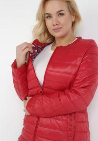 Born2be - Czerwona Kurtka Aretheilla. Kolor: czerwony