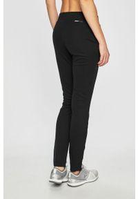 Czarne spodnie dresowe Only Play