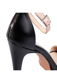 Beżowe sandały Maccioni eleganckie