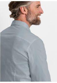 Koszula ze stretchem Slim Fit bonprix srebrnoszary. Kolor: srebrny. Długość rękawa: długi rękaw. Długość: długie
