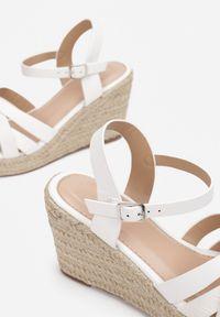 Renee - Białe Sandały Oriniassi. Kolor: biały