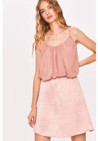 Różowa sukienka Answear Lab na ramiączkach, na co dzień, casualowa, prosta