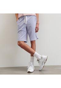 Reserved - Dresowe szorty basic - Fioletowy. Kolor: fioletowy. Materiał: dresówka