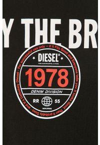 Czarny t-shirt Diesel casualowy, z nadrukiem