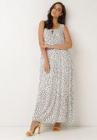 Born2be - Biała Sukienka Aigamia. Kolor: biały. Materiał: tkanina, wiskoza. Długość rękawa: bez rękawów. Wzór: kropki. Sezon: lato. Długość: maxi