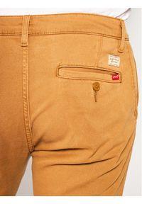 Levi's® Chinosy Standard 17196-0014 Brązowy Tapered Fit. Kolor: brązowy. Materiał: elastan, materiał, bawełna #5