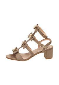 Beżowe sandały Sabatina