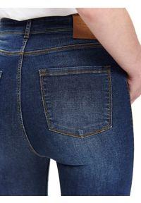 Niebieskie spodnie TOP SECRET na co dzień, casualowe, na wiosnę