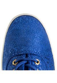 Niebieskie półbuty Keds na płaskiej podeszwie, z cholewką